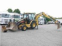 Tractopelle Caterpillar 800L