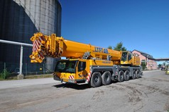 Grue mobile 100T