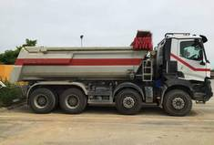 Camion benne 20T 8x4