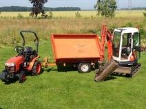 Mini-pelle, micro tracteur, remorque