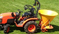 semoir a engrais ou autres avec tracteur